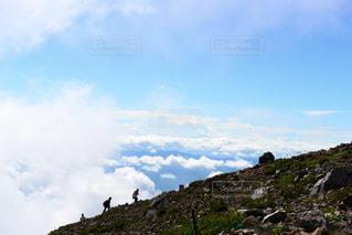 みんなで山登りの写真・画像素材[2263436]