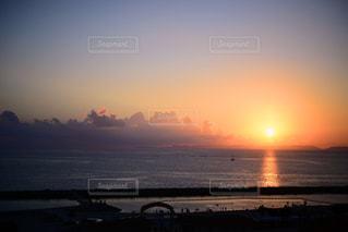 沖縄で見た夕日の写真・画像素材[2267980]