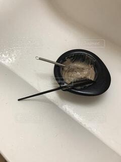 フォークとナイフの入った皿の写真・画像素材[4216000]