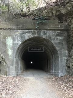 雰囲気のあるトンネルの写真・画像素材[2254962]