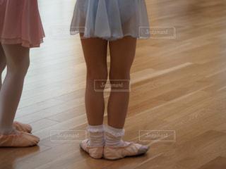 バレリーナの脚の写真・画像素材[2272101]