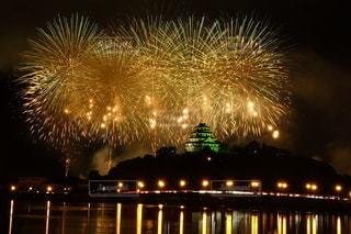 唐津城と花火の写真・画像素材[2264180]