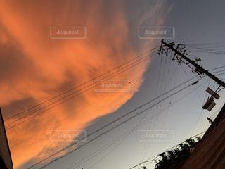 空の赤い雲の写真・画像素材[3609306]