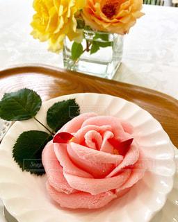 バラのアイスクリームの写真・画像素材[2269699]