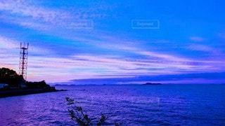 蒼と朱と空と海の写真・画像素材[2647468]