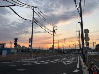 夕暮れの道の写真・画像素材[2277504]