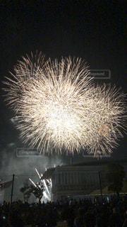 空の花火の写真・画像素材[2277542]