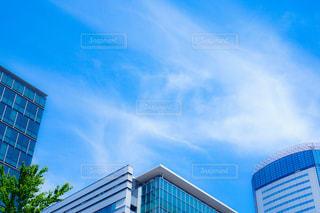 高層ビルと青空の写真・画像素材[2278238]