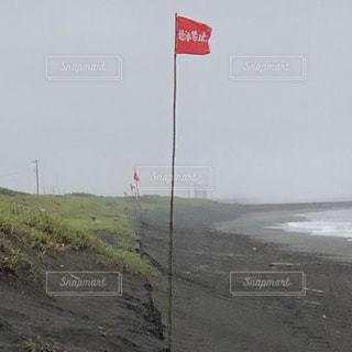 フラッグと嵐の写真・画像素材[2299899]