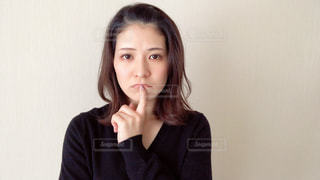 悩む女性の写真・画像素材[2967858]