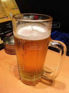 冷えたビールの写真・画像素材[2370447]