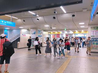 小田急登戸駅の改札の写真・画像素材[2370533]