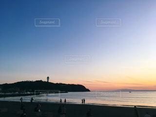 夕暮れの江の島の写真・画像素材[2756124]