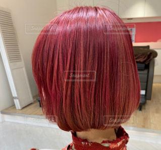 赤い髪の人の写真・画像素材[3099490]