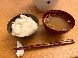 ご飯と味噌汁の写真・画像素材[3274234]