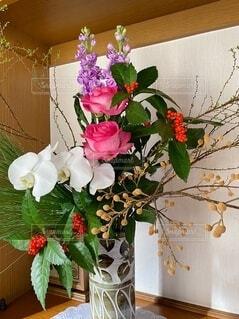 お正月の生け花の写真・画像素材[4136770]