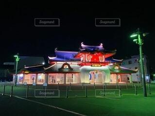 夜の片瀬江ノ島駅の写真・画像素材[4146947]
