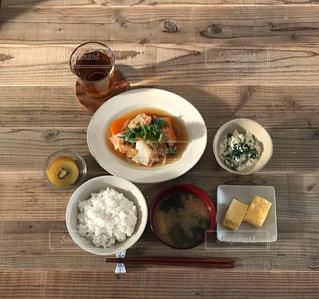 鮭の南蛮漬け定食の写真・画像素材[2284142]