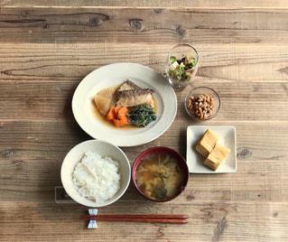 煮魚定食の写真・画像素材[2474395]