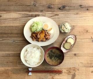 生姜焼き定食の写真・画像素材[2746435]