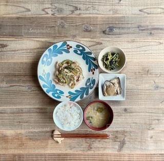 ゴーヤチャンプルー定食の写真・画像素材[3748006]