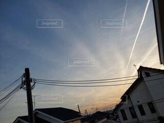 ブランコと曇り空の写真・画像素材[4385936]