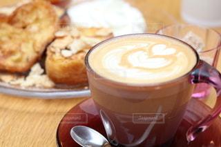癒しのカフェ時間の写真・画像素材[2302381]