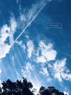 飛行機雲の写真・画像素材[2311547]