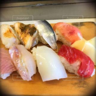 職人が握るにぎり寿司の写真・画像素材[1106492]