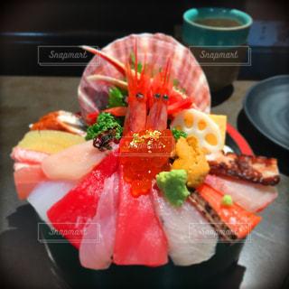 インスタ映えする海鮮丼の写真・画像素材[1106520]