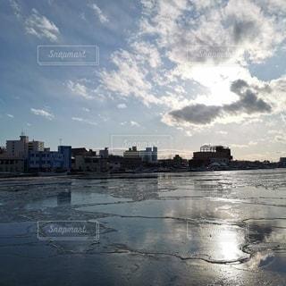 雲に遮られた光の写真・画像素材[2931381]
