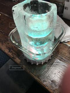 氷のコップの写真・画像素材[2296300]
