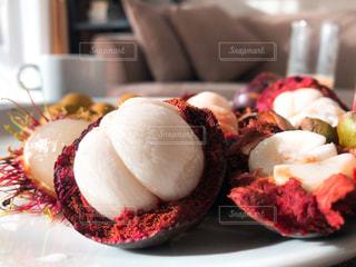 皿の上の食べ物のクローズアップの写真・画像素材[2308037]