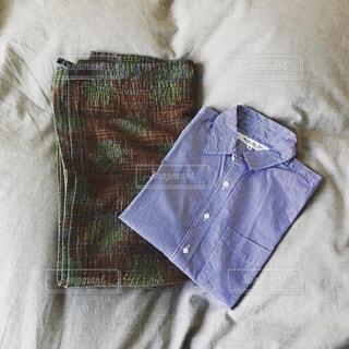 ストールとシャツの写真・画像素材[2301028]