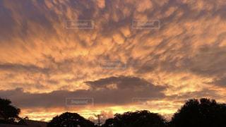 夕焼けの空の写真・画像素材[2302724]