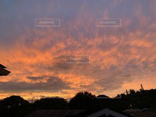 綺麗な夕暮れの空の写真・画像素材[2302726]