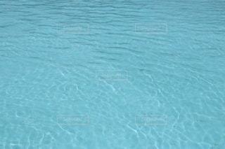 プールの水面の写真・画像素材[3586067]