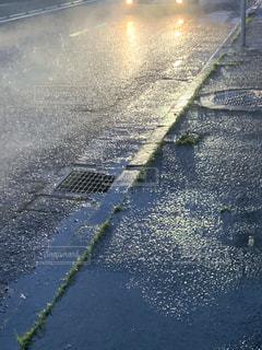 雨の道の写真・画像素材[2305522]