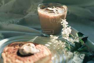 ホットケーキとダルゴナコーヒーの休日♡の写真・画像素材[3202737]