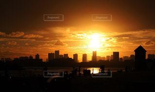 都会の日没の写真・画像素材[2320707]