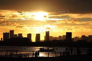日没時の東京の写真・画像素材[2320708]