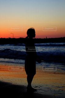 少女と海の写真・画像素材[2320767]