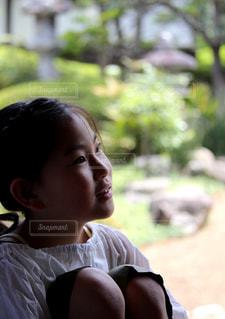 女の子の横顔の写真・画像素材[2326617]