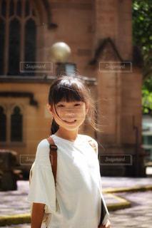 海外旅行中の女の子の写真・画像素材[2331862]
