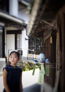 夏の少女の写真・画像素材[2340463]