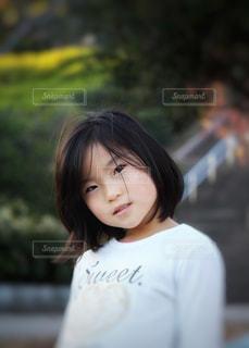 女の子の表情の写真・画像素材[2353057]