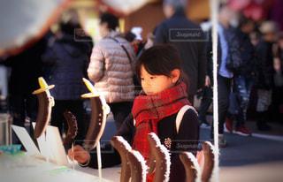 チョコバナナと女の子の写真・画像素材[2365466]