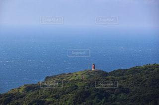 海と風車のある風景の写真・画像素材[2443631]