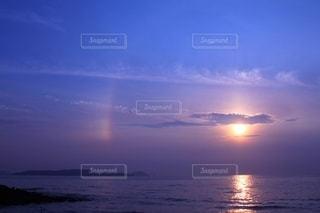 夕日と虹の写真・画像素材[3508316]
