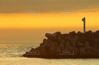 夕方の海の写真・画像素材[4597605]